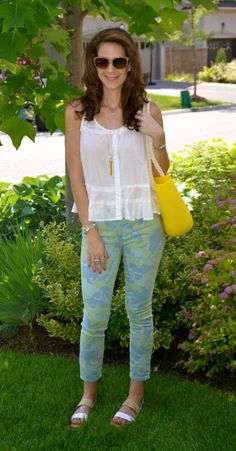Tropical Printed Denim from the Gap.  Perfect for an easy fresh casual look for summer!  I love how the pop of yellow plays so beautiifully with the blues and greens, wonderful colour combination:)