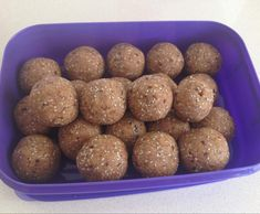 Recipe Vanilla & Chia Protein Balls by Kelly Arnold - Recipe of category Desserts & sweets Sweets Recipes, Snack Recipes, Cooking Recipes, Desserts, Drink Recipes, Healthy Sweets, Healthy Snacks, Healthy Eating, Healthy Recipes