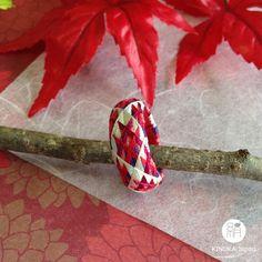 Yubinuki / Japanese thimble ring Yubinuki red(Etsy YubinukiKinukaJapan) https://www.etsy.com/jp/listing/482678271/yubinuki-japanese-thimble-ring-yubinuki