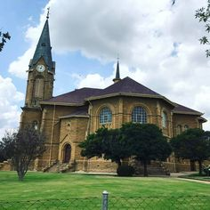 NG KERK WARDEN VRYSTAAT SA Old Churches, Mansions, House Styles, Home Decor, Decoration Home, Manor Houses, Room Decor, Villas, Mansion