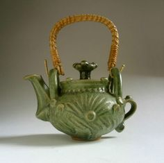 IAN-GODFREY-stoneware-TEAPOT-c-1980-British-studio-pottery-ceramics