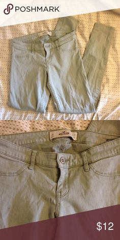 Size 5 olive\tan hollister pants SO SOFT. Super comfy and stretchy. Low rise. Good color. No signs of wear. Hollister Pants Skinny