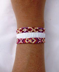 Bracelet manchette de l'amitié rouge jaune perles blanches fermoir aimanté : Bracelet par kiline