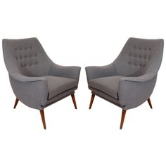 SHOWPLACE / Pair of Mid Century Lounge Chairs in the Style of Gio Ponti $6200