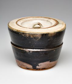 Shoji Hamada, Untitled water vessel. Date unknown.