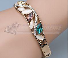 b65431f99d2b2 Encontre Bracelete Feminino Cristal Swarovski Zircnia Banhado Ouro - Joias  e Bijuterias no Mercado Livre Brasil. Descubra a melhor forma de comprar  online.