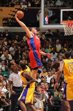 huge discount 27a8b 87e50 Happy birthday Blake Griffin  D he s 25 today, can t forget Reggie Bullock  who s 23 today too! Go clippers!