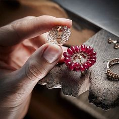 The inside of our jewellery creations are delicately engraved with openworked gemset scrolling motifs, a secret message intended… Jewelry Tools, Copper Jewelry, Jewelry Crafts, Jewelry Art, Handmade Jewelry, Fashion Jewelry, Gold Jewellery, Jewelry Making Tutorials, Jewelry Making Supplies
