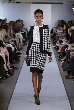 Oscar de la Renta Resort 2013 tweed suit c/o Fashionologie