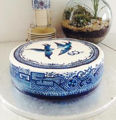 Blue Willow china, Hand painted cake, Love birds