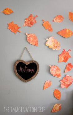 Make some beautiful autumn leaves using a shaving cream marbling technique. An easy and gorgeous sensory art activity for kids!