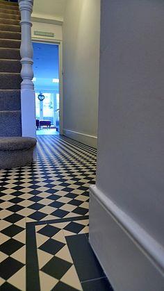 klassieke Victoriaanse Edwardian zwart-wit mozaïek hal tegel pad Londen