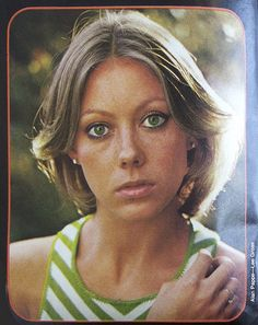 Jenny Agutter by Alan Pappe for Lee Gross British Actresses, Actors & Actresses, Divas, Spy Shows, Logan's Run, American Werewolf In London, Curvy Girl Lingerie, Call The Midwife, Helen Mirren