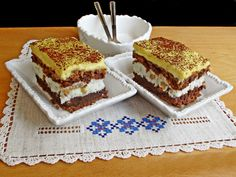 Prajitura frantuzeasca are o combinatie perfectă de gusturi si culori: maro cu alb si galben! Are un aspect placut si este spornica. Romanian Desserts, Something Sweet, Coco, Fondant, Caramel, Sweet Treats, Cheesecake, Food And Drink, Cooking Recipes