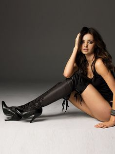 Love Those Long Legs! 39 Photos of Hot Women Wearing Boots - Spikey