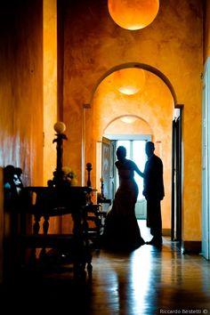 Reportage di nozze di Marta & Giancarlo di Riccardo Bestetti Dress Wedding, Oversized Mirror, Mermaid, Wedding Dressses, Wedding Attire, Bridal Gowns, Wedding Gowns, Wedding Dresses