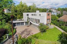 FINN – Vinderen - Praktfull arkitekttegnet villa beliggende på 1411 m² parkmessig opparbeidet tomt - 3 garasjeplasser - Utsikt