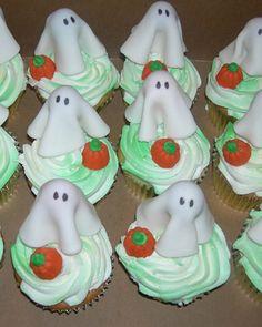 cute Halloween cupcakes