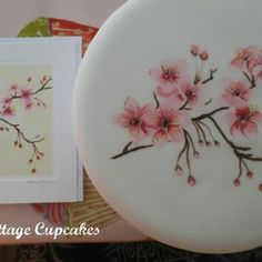 Tutorial on on how to Paint a beautiful Cherry Blossom onto cake.  It's soooo easy and includes a few tips to help you on your way together with a 26 page detailed step by step photographs!
