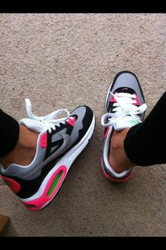 NIKE AIR MAX 1 SKYLINE...not a big fan of the pink but I like these