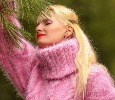 NEW Hand Knit Mohair Cable Sweater LIGHT PINK Handgestrickte Pullover SUPERTANYA #SUPERTANYA #TurtleneckMock