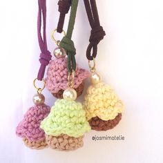 Dose de fofura do dia  .  #colar #jewllery  #crochetlove #crochet #handmade #crochetaddict #madewhitlove #feitoamao #cupcakes #design #decor #decoracao #maedemenina #mulher #meninas #acessorios #joia #moda #infantil #fofo #cute #kids #comprodequemfaz #economiacriativa #instacrochet #amocrochet #fashionista #minifashionista #crochetlife by jasmimatelie