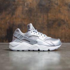 Nike Women Air Huarache Run Se (metallic silver / matte silver)