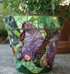Mosaic Pot | This is so beautiful! I need to get back to mosaics.....