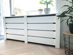 DIY low budget radiator ombouw - Diy and Crafts Home Budget, Diy On A Budget, Decorating On A Budget, Decorating Websites, Trendy Home Decor, Upcycled Home Decor, Diy Home Decor, Diy Radiator Cover, Creative Home