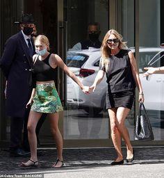 Fendi, Kate Moss Style, Miss Moss, Model Street Style, Look Alike, Star Fashion, Celebrity Style, Sequin Skirt, Mini Skirts