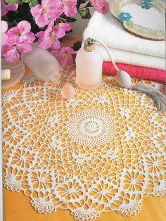 Decorative - souher - Álbuns da web do Picasa Crochet Tablecloth, Crochet Doilies, Decorative Hooks, Crochet Magazine, Table Toppers, Vintage Crochet, Straw Bag, Free Pattern, Elsa
