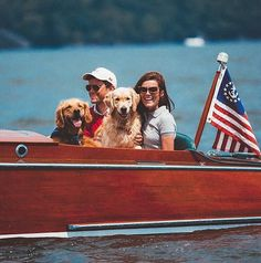 New England-based style star Sarah Vickers's brand of preppy perfection comes made in the U. Here, she shares her favorite things for the sunny season. Memphis, New England Prep, Sarah Vickers, Coastal Style, Coastal Living, Lakeside Living, Nantucket Style, Lakeside Cottage, Nautical Style