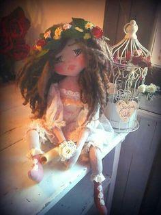 Dolls  ..my creation #dolls #handmade Completamnte realizzata a mano 45cm bambola di stoffa Occhi e sopracciglia ricamati Capelli di lana  Pagina ufficiale Georgia's Dolls quando la stoffa prende vita