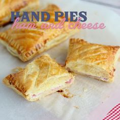 Puff Pastry Recipes Savory, Easy Puff Pastry Recipe, Puff Pastry Appetizers, Savoury Baking, Ham And Cheese Pie Recipe, Chicken Pie Puff Pastry, Easy Puff Pastry Desserts, Recipes Using Puff Pastry, Phyllo Dough Recipes