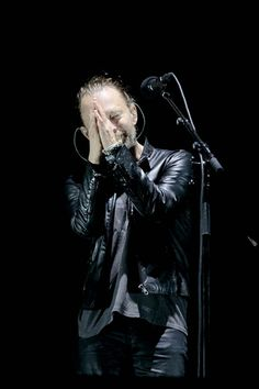 Thom Yorke thanks the crowd for singing 'Happy Birthday' during the Austin City Limits Music Festival at Zilker Park on October 7, 2016 in Austin, Texas. © SUZANNE CORDEIRO