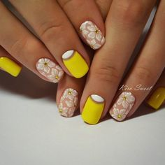 April nails Delicate nails flower nail art Gentle gel polish for manicure Gentle summer nails Manicure by summer dress Nails ideas with flowers Nails with rhinestones Yellow Nails Design, Yellow Nail Art, Yellow Glitter, White Nail, Best Nail Art Designs, Nail Designs Spring, Pretty Nails, Fun Nails, Beauty And More
