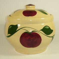 Watt Pottery Apple #21 @ watt-pottery.com