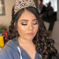 To avoid unpleasant surprises on your quince day, you must try the ing quinceanera makeup ideas according to the color of your dress! Braided Hairstyles Updo, Quince Hairstyles, Indian Wedding Hairstyles, Cute Hairstyles, Updo Hairstyle, Braided Updo, Pretty Quinceanera Dresses, Makeup For Quinceanera, Makeup Ideas