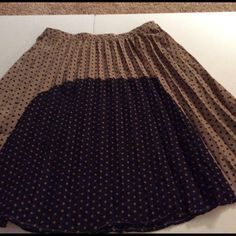 """Tiny pleats skirt This tan, navy with rust colored dots is so cute. Too small for me. Side zipper and fully lined. Total length is 21"""". NWT Sugar Lips Skirts"""