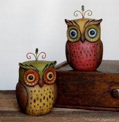 Folk art owl wood carvings by Greg Guedel