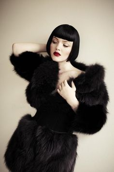 Holliday Grainger by Matt Holyoak, 2012 Oh So Very Gatsby Vintage Hairstyles, Bob Hairstyles, Bob Haircuts, Gorgeous Hairstyles, Black Hairstyles, Darkness Girl, Marla Singer, Holliday Grainger, Winter Typ