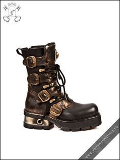 STEAMPUNK BOOTS!