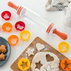 Rolling Pin With Biscuit Cutters (9 Pieces)s