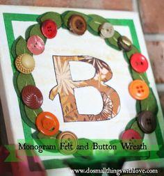 DIY Button Craft: DIY Button Monogram Wreath