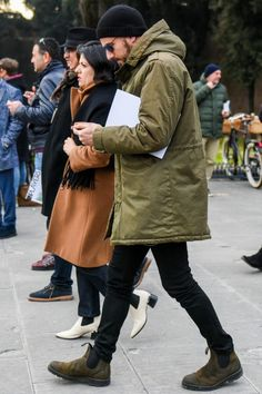 30 hottest winter outfits cold ideas to wear right now Style Casual, Men Casual, Casual Styles, Winter Outfits Men, Casual Outfits, Herren Outfit, Mens Sweatpants, Minimal Fashion, Mens Clothing Styles
