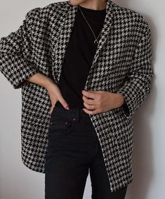 Black Denim + Blazer Source by sophieelkus Fashion outfits Denim Blazer, Look Blazer, Sleevless Blazer, Casual Blazer, Mode Outfits, Dress Outfits, Casual Outfits, Fashion Outfits, Blazer Outfits