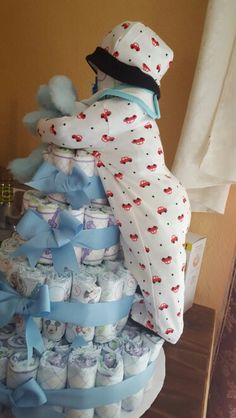 The cutest Diaper cake made for my baby shower❤❤
