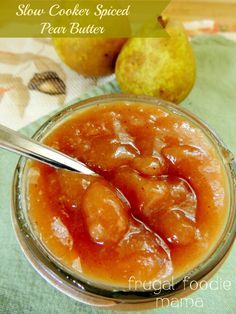 Try with dates: Made with fresh pears & a pinch of cardamom, this Slow Cooker Spiced Pear Butter is a delicious way to celebrate the flavors of fall. Crock Pot Slow Cooker, Crock Pot Cooking, Slow Cooker Recipes, Pear Butter, Apple Butter, Do It Yourself Food, Salsa Dulce, Canning Recipes, Canning Labels