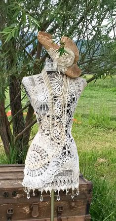 Country Dazzled Doilies/ A plethora of vintage for your boudoir – 2019 - Lace Diy Mannequin Art, Dress Form Mannequin, Mannequin Display, Doilies Crafts, Lace Doilies, Robes Vintage, Vintage Dresses, Vintage Dress Forms, Black Velvet Dress