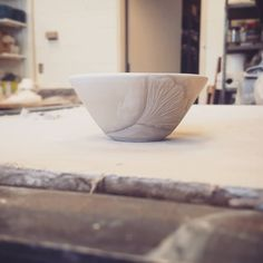 Carving ginkgo leaves while waiting for the kiln 🤗 . How To Make Clay, Serving Bowls, Decorative Bowls, Waiting, Porcelain, Pottery, Leaves, Ceramics, Tableware